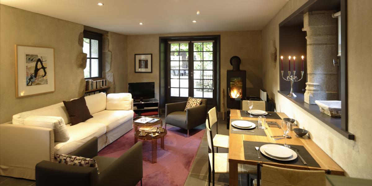 cottage de charme 5 étoiles pour 4 personnes piscine et tennis privés, parc privé de 9 hectares avec étang de pêche