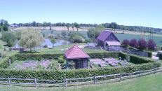 Potager et étang de pêche du Domaine de Louveraude en Nouvelle Aquitaine avec gîtes de charme classés 5 étoiles