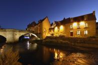 Les Maisons du Pont à Aubusson à 25 minutes des cottages de charme 5étoiles du domaine de Louveraude avec piscine, tennis et espace paysagé en Nouvelle Aquitaine