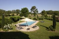 Charming cottage for 4 people classified 5 stars at the Gites de France with swimming pool, tennis court in a large lanscaped park with a fishing pond