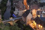 Les Maisons du Pont à Aubusson à 25 minutes des cottages de charme 5 étoiles du domaine de Louveraude avec piscine, tennis et espace paysagé en Nouvelle Aquitaine