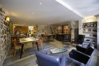 Café-cantine A Côté des Maisons du Pont à Aubusson à 25 minutes des cattages de charme 5étoiles du domaine de Louveraude avec piscine, tennis et espace paysagé en Nouvelle Aquitaine